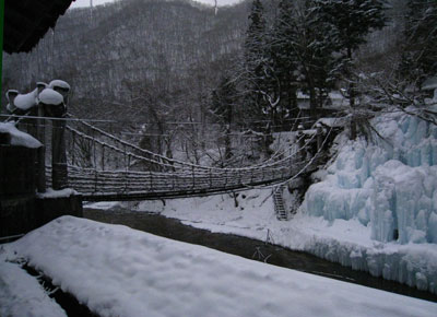 雪の露天風呂からの景色