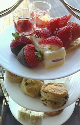 日航ホテル台場ラウンジの Afternoon Tea