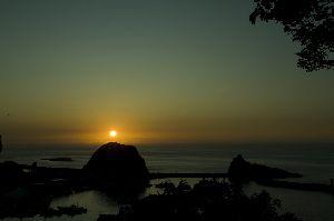 知床の夕陽丘より見える日没