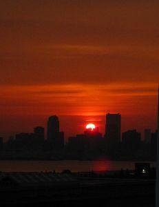 大都会の夕景