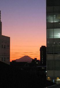 大宮からの富士山 2011.12.17 Pm5:07撮影