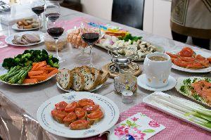 バーニャカウダとチーズフォンデュと赤ワイン