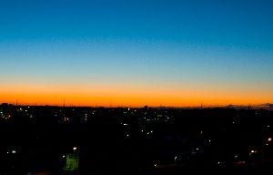 (2013.2.21 AM5.51 夜明け前)