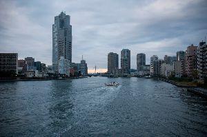 隅田川を行き交う水上バス